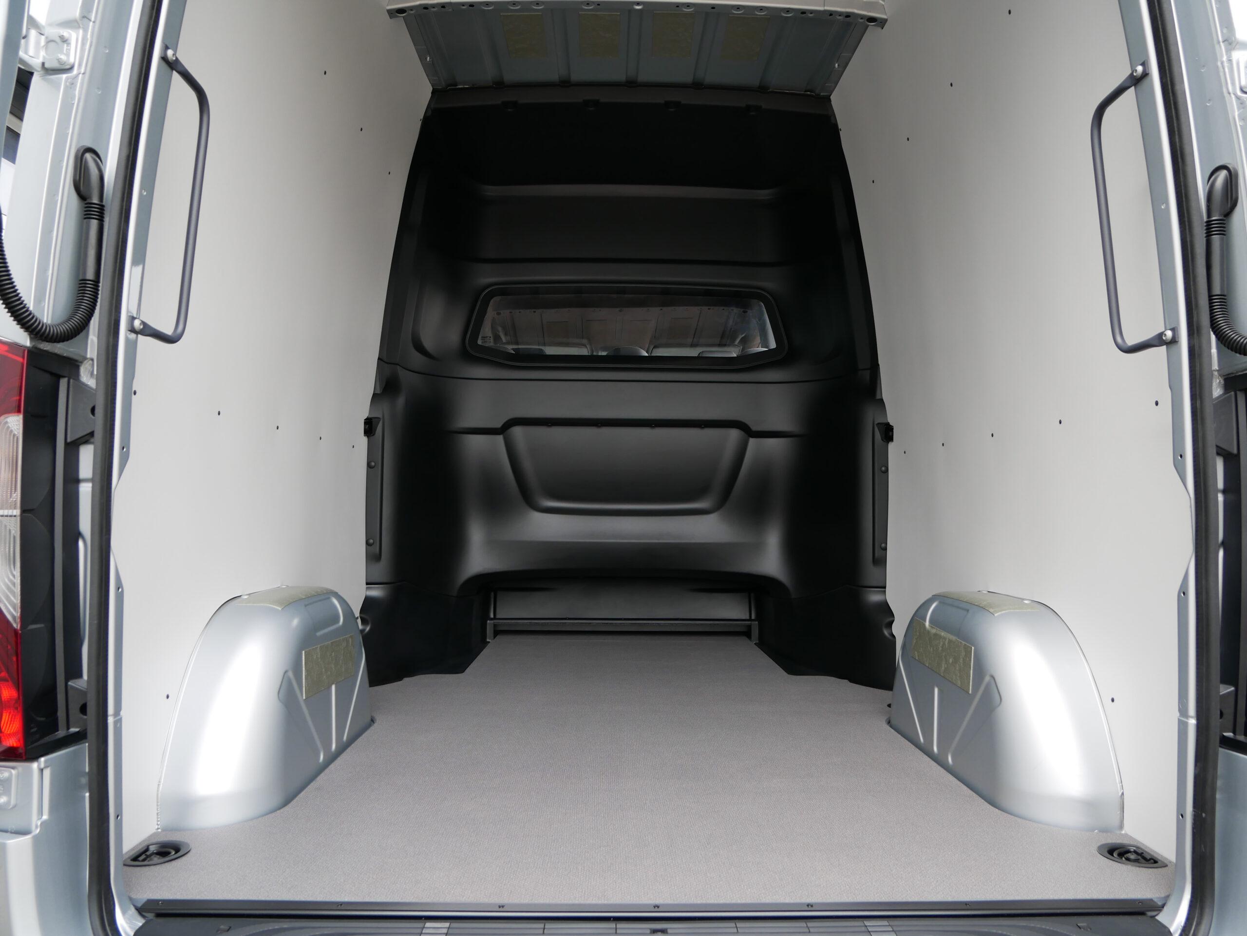 Mercedes-Benz load area